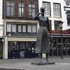 A Nijmegen, Grote Mark, statua Mariken van Nieumeghen