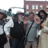 A Deadwood, con performers cowboys