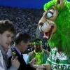 Stadio José Alvalade, con il DG interista Paolo Giuliani e la mascotte dello Sporting Lisboa