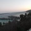 Il Sofitel Moorea Ia Ora Beach Resort dalla strada costiera