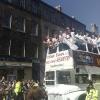 La festa sul pullman scoperto per le vie di Edinburgh